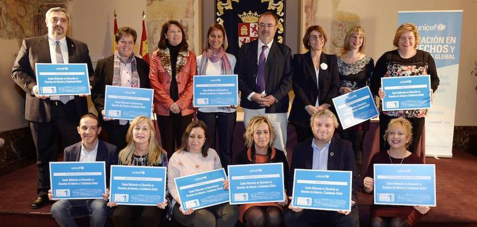 Unicef reconoce a Carbajosa y Villamayor como referentes en Educación en Derechos