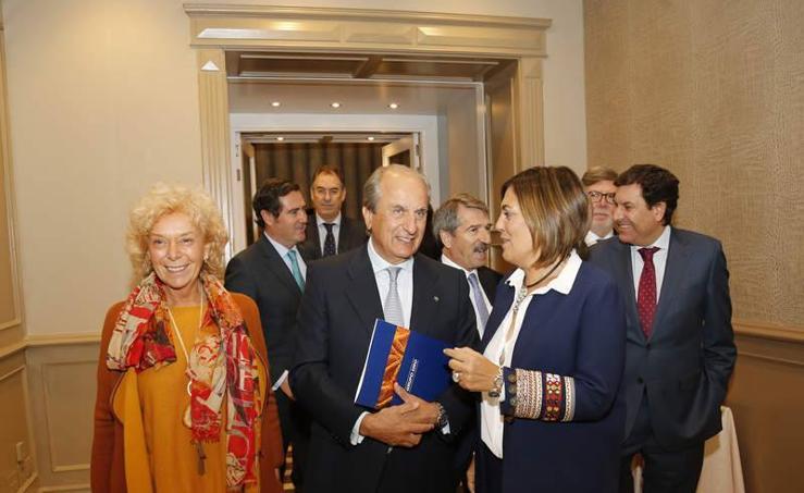 El presidente del Grupo Siro recibe el premio CPOE en Palencia