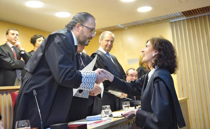 El Colegio de Abogados de Valladolid entrega insignias y reconocimientos durante su fiesta colegial