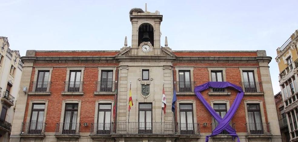 Un gran lazo violeta en Zamora contra la violencia de género