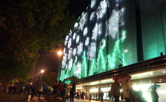 El Corte Inglés enciende la Navidad en Valladolid