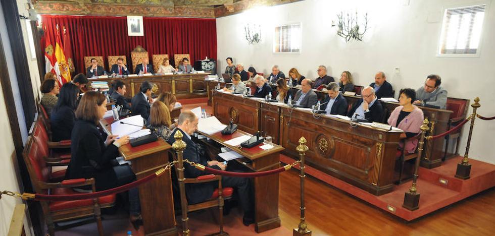 PP y Ciudadanos apoyan las cuentas de 2018 de la Diputación con al abstención de PSOE