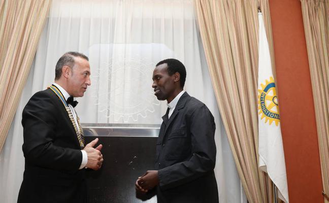 Solidaridad con África en la cena de los rotarios