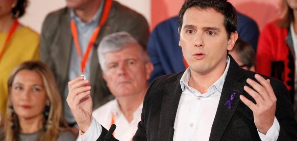 Rivera abre «la puerta» de Cs a todos los socialistas «hartos de nacionalismo»