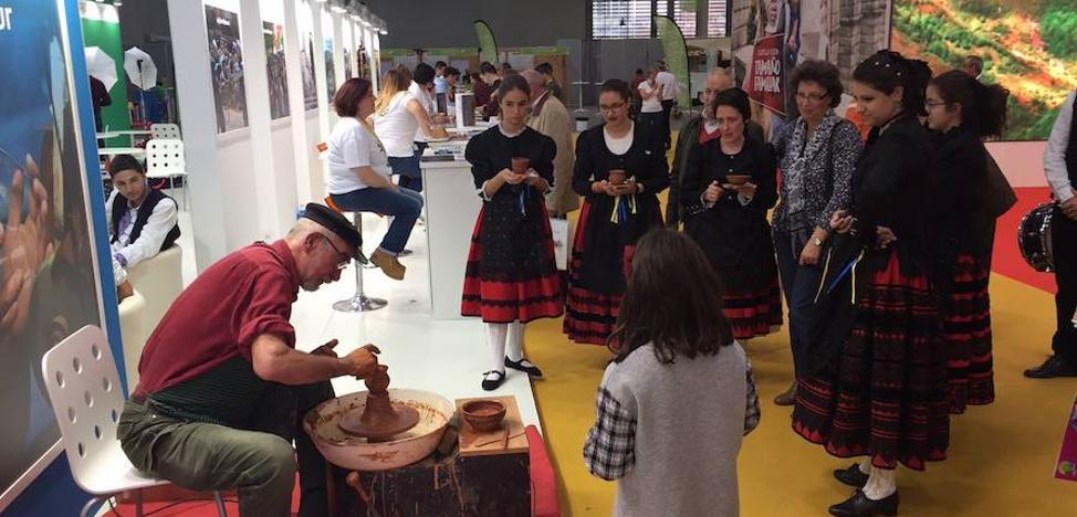 La Diputación luce en Intur la potente oferta segoviana en turismo rural