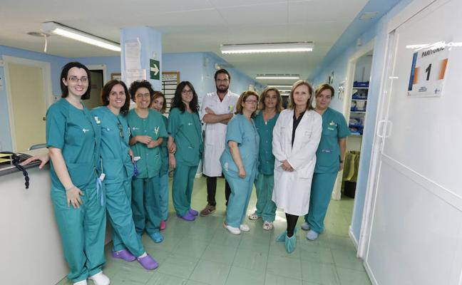 El hospital tiende a un parto humanizado y registra un descenso del número de cesáreas