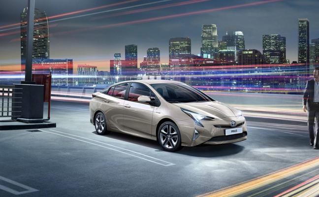 Toyota Prius, ahora con alerta de tráfico trasero