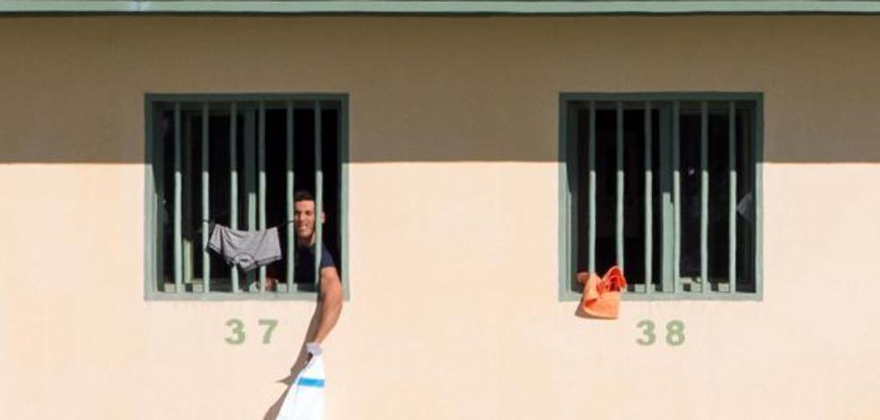 Zoido: «La cárcel de Archidona tiene mejores condiciones que cualquier CIE»