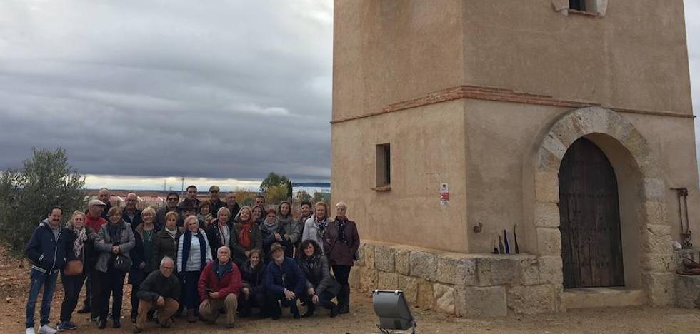 La Asociación Cultural Nuestras Raíces de Galindo y Perahuy visita Liberalia