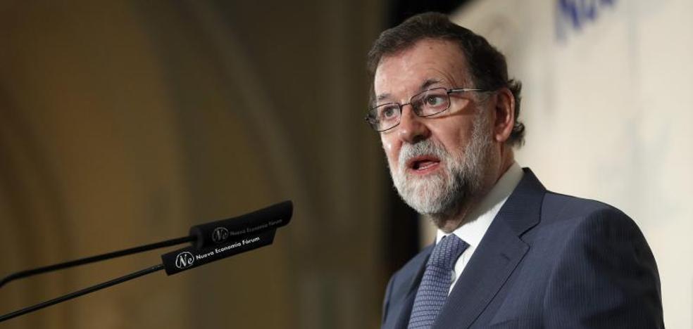 Rajoy avisa a Sánchez que la reforma de la Constitución no puede premiar a quienes quisieron liquidarla