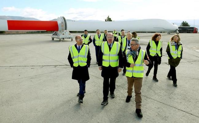 Herrera apuesta por las energías renovables contra el cambio climático