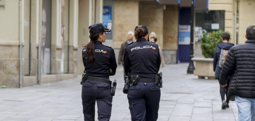 Se lía a golpes con los policías que querían deternerle por un robo