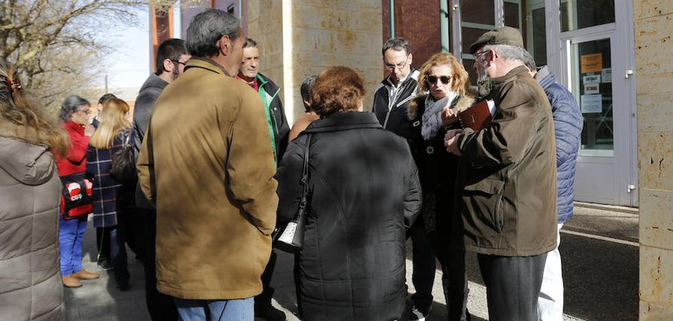 Un frente contra el aparcamiento de pago del Hospital de Palencia