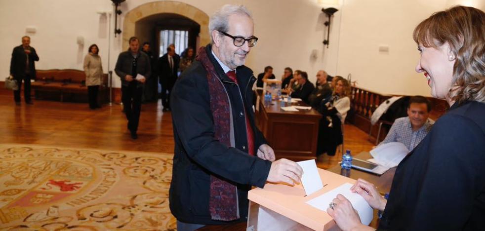 Intensa jornada de votaciones en la Usal para elegir al nuevo rector