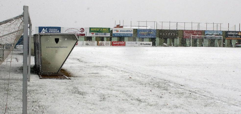 La nieve suspende varios partidos de fútbol en la provincia de Segovia