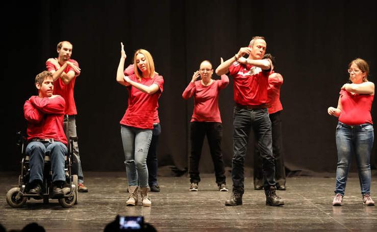 El teatro Principal de Palencia acoge la entrega de los premios solidarios de Cocemfe Castilla y León