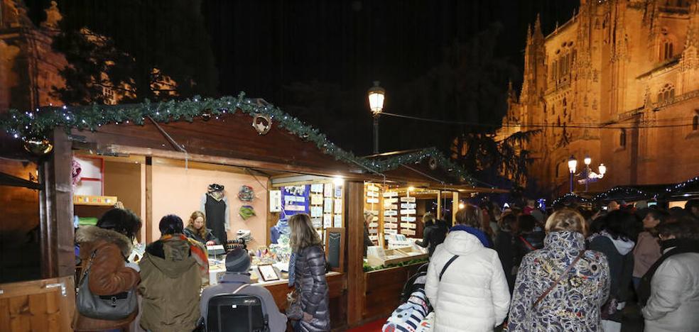 La plaza de Anaya acoge el primer mercado navideño