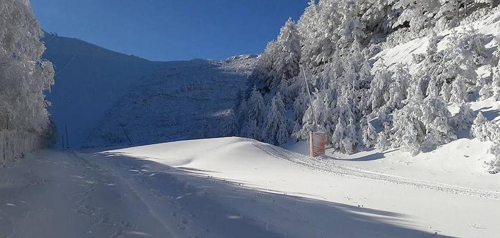 Las bajas temperaturas mantienen heladas las carreteras de Riaza y La Pinilla