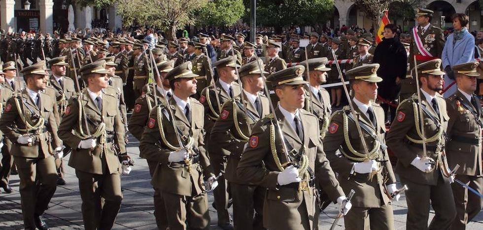 Un centenar de civiles juran bandera en Segovia