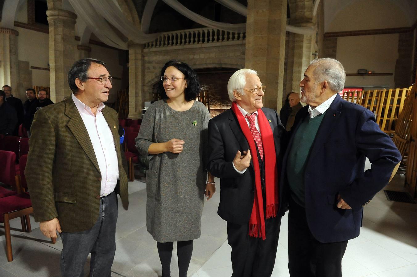 El padre Ángel participa en Villalar en el ciclo sobre la paz que organzia el Ayuntamiento