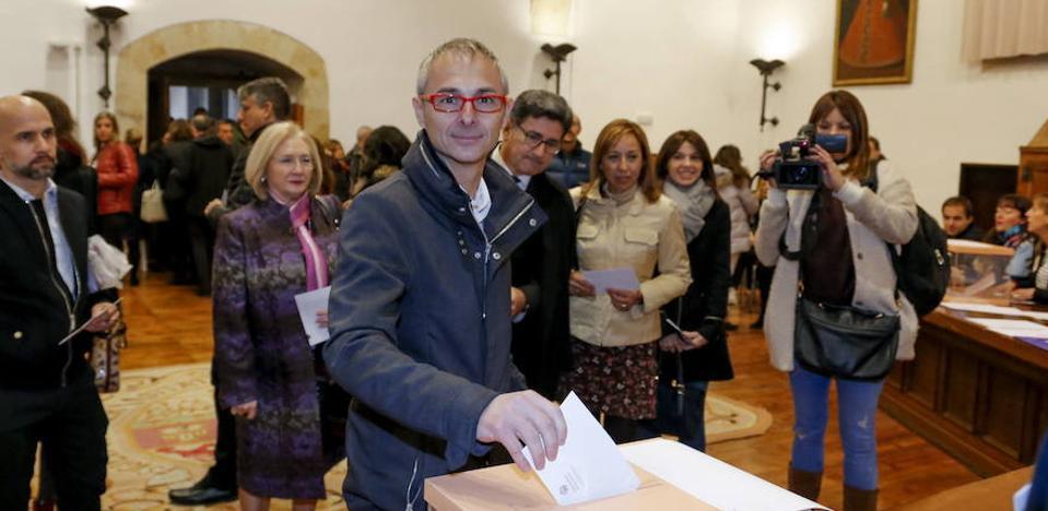 La Junta Electoral de la Usal hace oficial la elección de Ricardo Rivero como nuevo rector