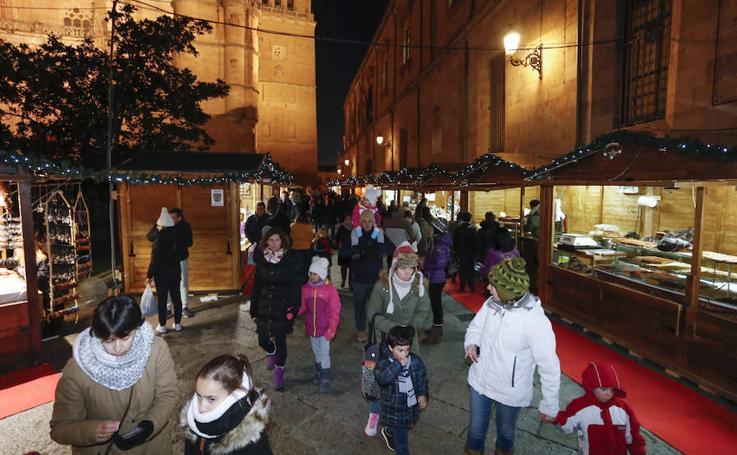 Inauguración del mercadillo navideño en Salamanca