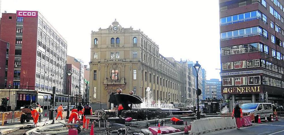 La isleta de la plaza de Madrid estrena parada de autobús en la prolongación de la calle Gamazo