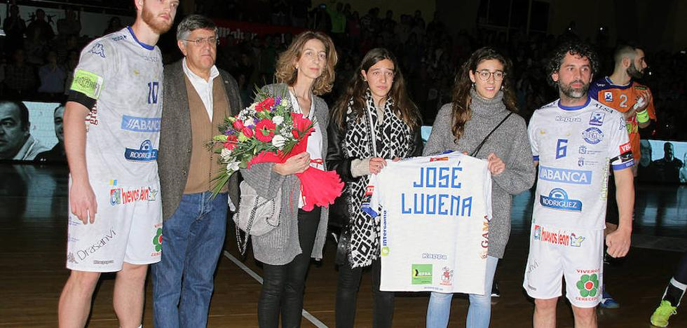 El Palacio se rinde a la memoria de Ludena