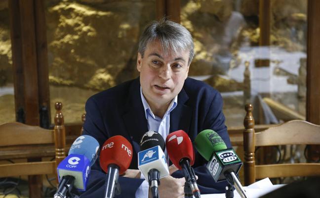 Sánchez insta a la vicepresidenta a fijar día para el retorno de los fondos del Archivo