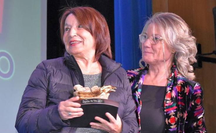 La actriz Petra Martínez recibe el Águila de Oro en la inauguración del Festival de Cortos de Aguilar