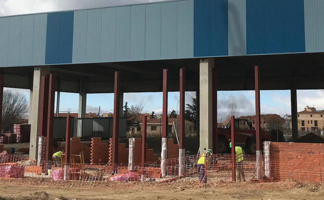 Trescasas inicia la construcción de la primera fase del polideportivo
