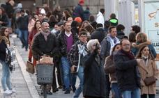 Los turistas llenan los hoteles y restaurantes de Segovia