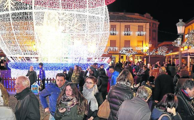 Las plazas Mayor y de la Inmaculada, grandes atracciones del puente en Palencia