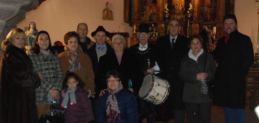 Homenaje a Isaac Rufino y Encarna Pérez en la fiesta de los mayores