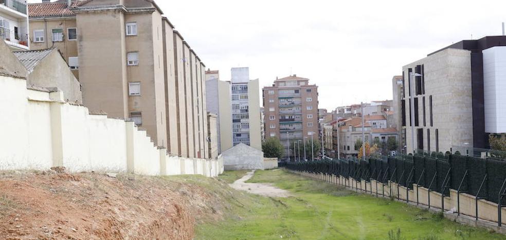 Defensa desdice al Ayuntamiento y no ve ningún avance en el caso Corte Inglés