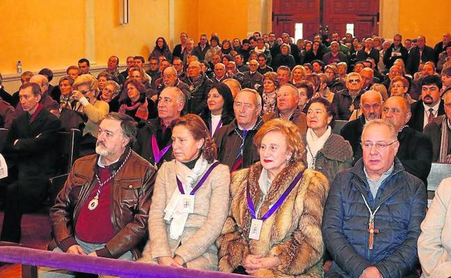 Los nazarenos de Palencia celebran la Inmaculada Concepción