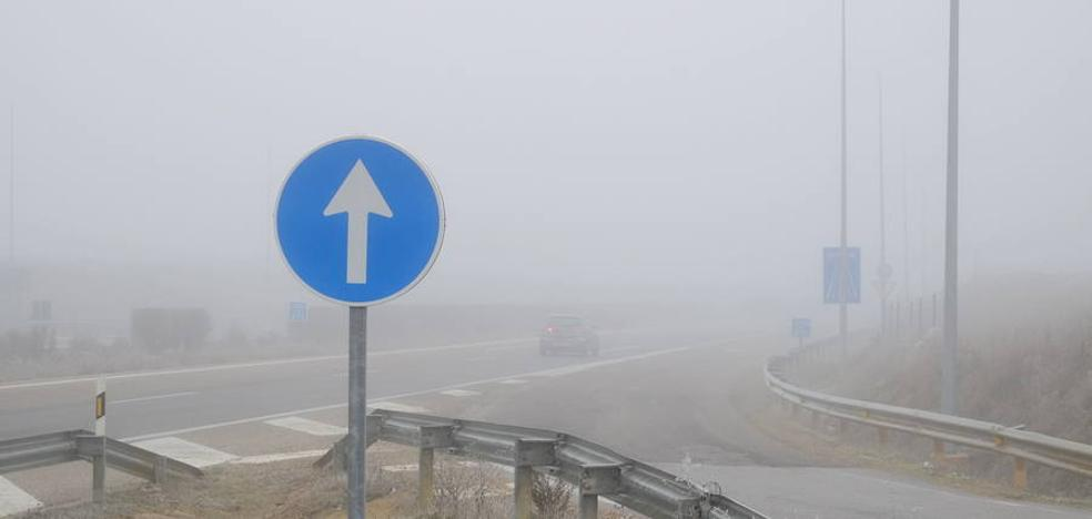 La niebla dificulta el tráfico en ocho tramos de carretera de León, Burgos, Zamora y Segovia