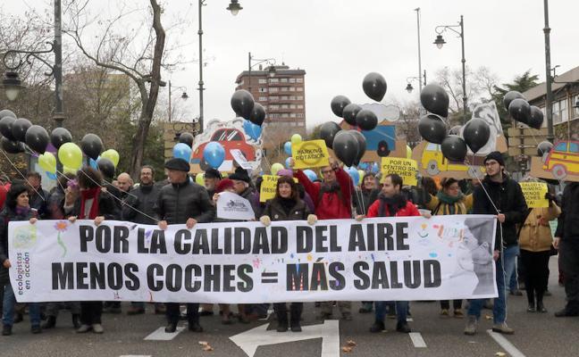 Ecologistas en Acción pide que el tráfico en el centro de Valladolid se restrinja permanentemente
