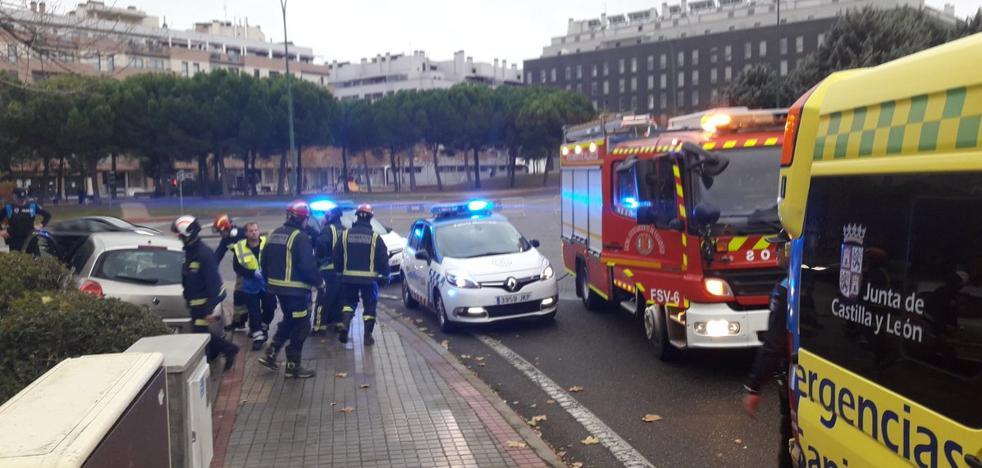 Herida una mujer tras perder el control del coche en Valladolid capital