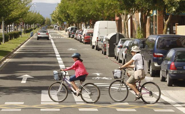 Una niña herida crítica en Tarragona al ser arrollada por un camión cuando iba en bici