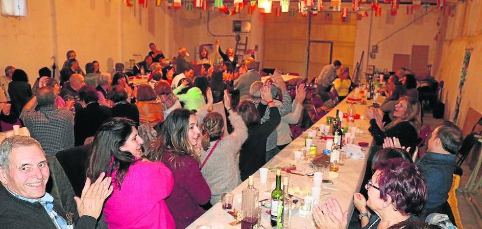 Hérmedes disfruta de unas fiestas de Santa Bárbara para comérselas