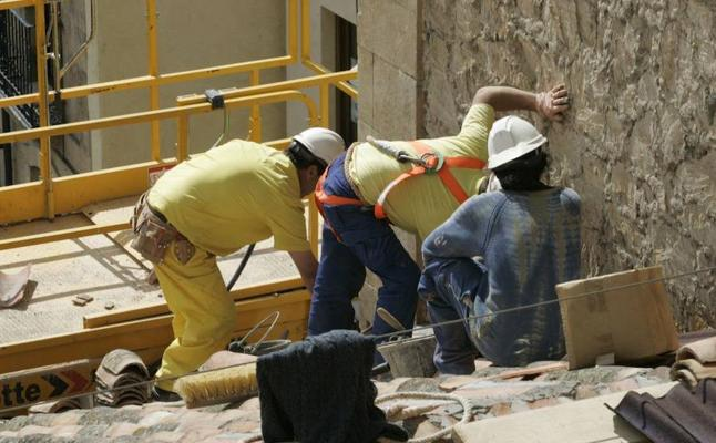 Los ERE van en retroceso al bajar de 2.300 a 500 los trabajadores afectados