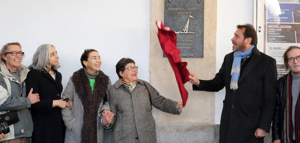 El Teatro Calderón perpetúa la pasión escénica de Fernando Urdiales