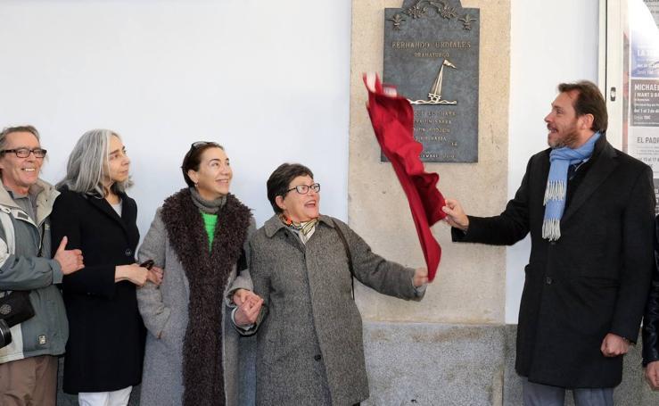 El Teatro Calderón dedica una placa a Fernando Urdiales