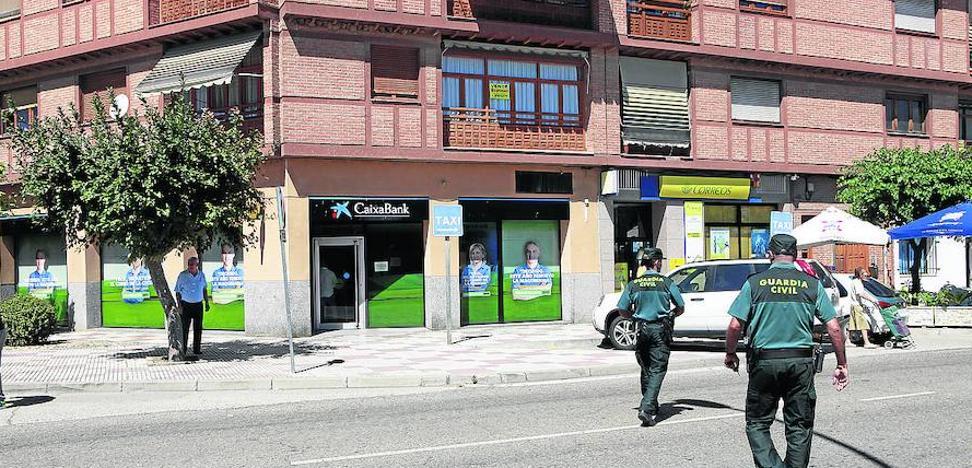 Condenado uno de los atracadores de una oficina bancaria de Dueñas