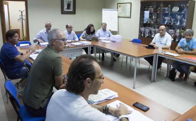 La Comisión de Convenios de la Junta devuelve a Auvasa el conflicto de la jornada partida