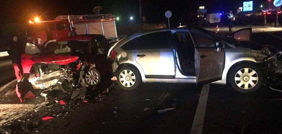 Una triple colisión de vehículos en La Colilla se salda con dos heridos