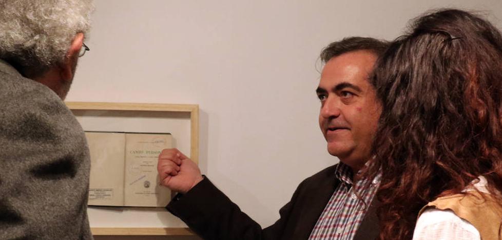 Una exposición reivindica el papel a través del recuerdo de los escritores del siglo XX