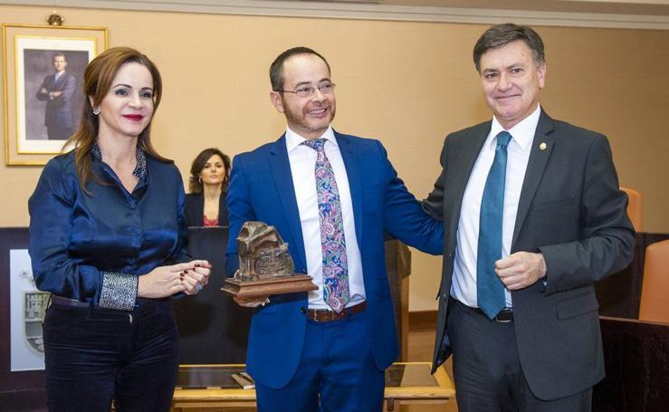 Antonio Praena recoge el XXVII Premio de Poesía Jaime Gil de Biedma