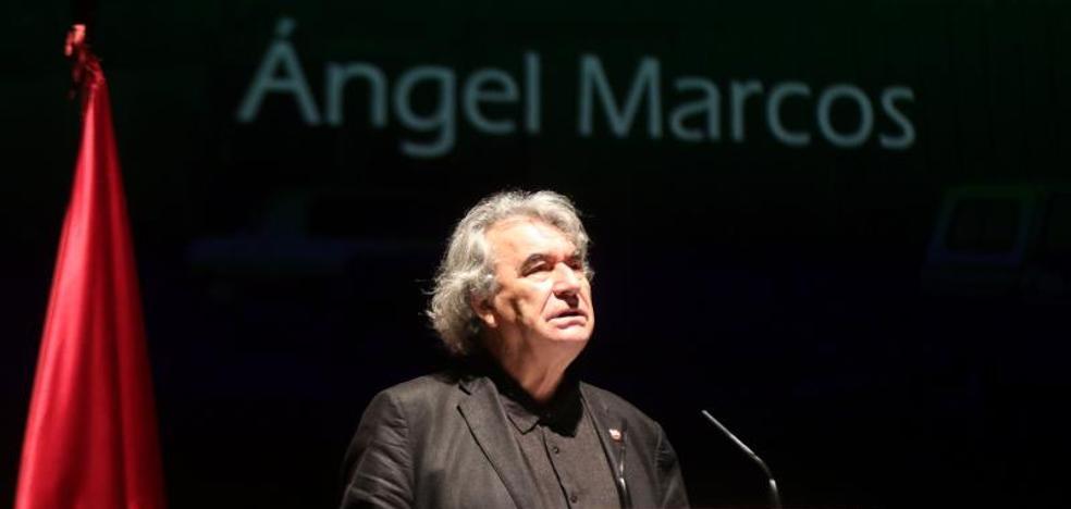 Ángel Marcos recibe con emoción el Premio Provincia de Valladolid a la Trayectoria Artística